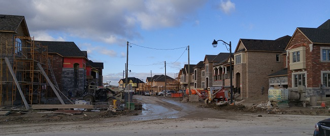 brookfield-thearbors-undeveloped-neighbourhood